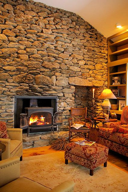 (stacked stone fireplace (1775) vermontmountaincabin.com ( view )